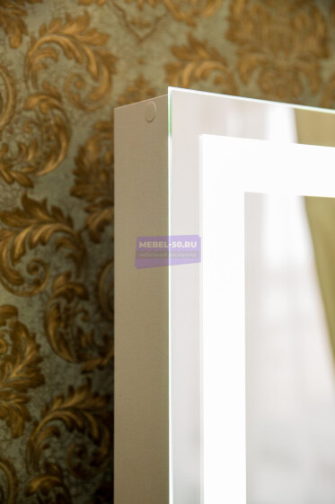 Стол на деревянных опорах. Цвет Белый . МДФ пленка глянец. Фасад накладной. Узор » Лондон». Светодиодное 60*80 фото 8