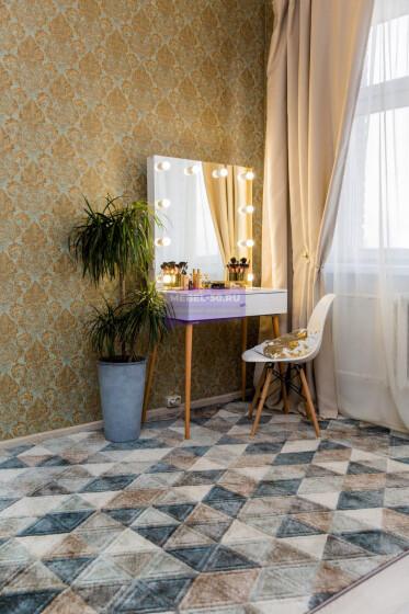Стол на деревянных опорах. Цвет Белый . МДФ пленка глянец. Фасад накладной. Узор » Люксембург». Безрамное 80*80