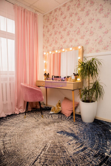 Стол на деревянных опорах. Цвет Дуб Сонома. Фасад накладной. В раме 120*80 фото 9