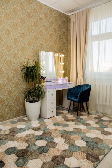 Серия 2 (консольная) Стол 100*80 Цвет Белый. МДФ в пленке. Фасад накладной. Узор «Барселона». Безрамное 80*80